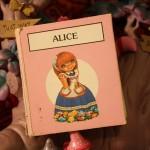 Chronique : Alice au pays des merveilles – Livre-accordéon